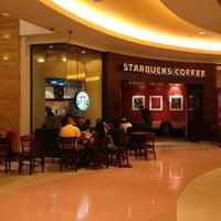 Photo taken at Starbucks by Jinny Alyssa on 8/10/2012