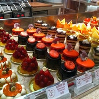 Photo taken at Jean Philippe Patisserie by bOn on 12/3/2011