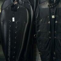 9/24/2011 tarihinde Donny L.ziyaretçi tarafından Mr. S Leather & Mr. S Locker Room'de çekilen fotoğraf