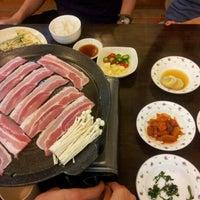 Photo taken at 大长今 Onix Jun Restaurant by Fio-nae on 10/30/2011