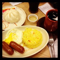 Photo taken at Chowking by Andy L. on 5/18/2012