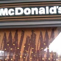 Photo taken at McDonald's by Jordi B. on 7/30/2012