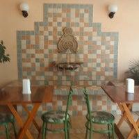 Foto diambil di Café Amigo oleh Wagner T. pada 11/4/2011