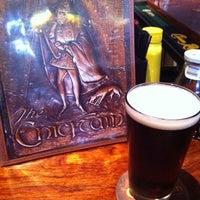 Foto tirada no(a) The Chieftain Irish Pub & Restaurant por Tony S. em 3/25/2011