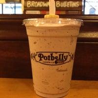 Foto tirada no(a) Potbelly Sandwich Shop por Aaron L. em 8/8/2012