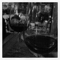 7/7/2012 tarihinde Nick C.ziyaretçi tarafından Bacchus Coffee & Wine Bar'de çekilen fotoğraf
