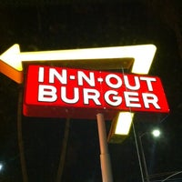 Photo taken at In-N-Out Burger by Mara G. on 8/20/2012