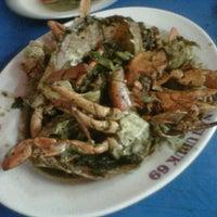 Photo taken at Sea Food 69 by Ayudya T. on 9/12/2012