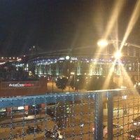 Foto tomada en Lodo's Bar And Grill por Ashley R. el 9/3/2012