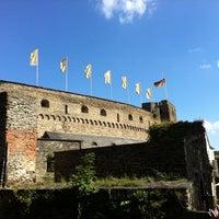 Photo taken at Schloss Rheinfels by Jag B. on 8/11/2012