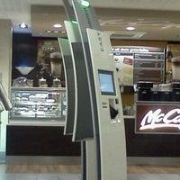 Das Foto wurde bei McDonald's von Thomas K. am 9/13/2011 aufgenommen