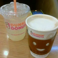 Photo taken at DUNKIN' DONUTS by Minkyung P. on 8/8/2011