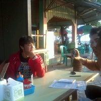 Photo taken at Warung Seafood Bang Pasha by Yudi A. on 8/16/2012