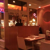 รูปภาพถ่ายที่ Pinto Thai Bistro & Sushi Bar โดย Rand F. เมื่อ 11/26/2011