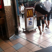 Photo taken at McDonald's by MA5A on 8/11/2011