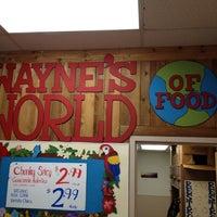 รูปภาพถ่ายที่ Trader Joe's โดย Nate F. เมื่อ 1/15/2012