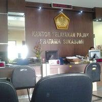 Photo taken at Kantor Pelayanan Pajak Pratama Sukabumi by Wandi K. on 8/28/2012