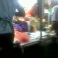 Photo taken at Abang Lan Burger by ooyasoraya m. on 12/1/2011
