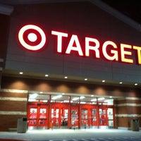 Foto tomada en Target por Paul R. el 1/14/2012