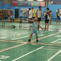Photo taken at New Vision Badminton Academy by Yummi Mun on 12/10/2011