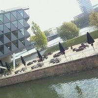 Das Foto wurde bei Frankfurter Botschaft von R P. am 10/18/2011 aufgenommen