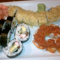 Photo prise au Sushi Tsune par Tamara N. le12/13/2011