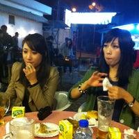 Photo taken at 黑沙公園餐廳 by Jackson L. on 12/20/2011