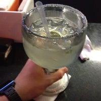 Foto tomada en Peppers Grill & Cantina por Jordan G. el 3/11/2012