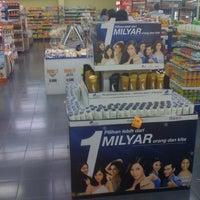 Photo taken at Super Indo by Wuryanano™ on 10/29/2011