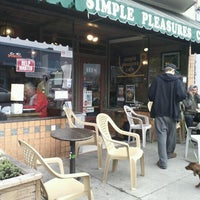 Photo taken at Simple Pleasures Cafe by I C. on 11/29/2011