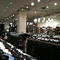 Foto tirada no(a) Union Square Wines & Spirits por Amanda C. em 2/24/2012