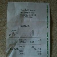 Foto diambil di Taco Bell oleh Chris F. pada 9/11/2011