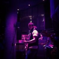 Photo taken at Discoteca Santuario by Nazaret E. on 1/26/2012