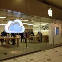 Photo taken at Apple Pentagon City by Jo on 2/16/2012