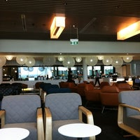 Photo taken at Qantas Business Lounge by Lynn L. on 11/11/2011