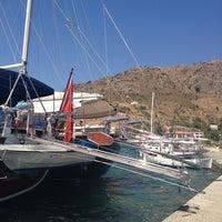 9/4/2012 tarihinde Aykutziyaretçi tarafından Bozburun Marina'de çekilen fotoğraf