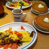 Photo taken at IHOP by Sameem M. on 10/24/2011