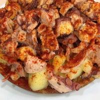 Das Foto wurde bei Restaurante Maxi von Andrea V. am 7/31/2012 aufgenommen