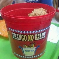 Photo taken at Frango no Balde by Hugo P. on 2/24/2012