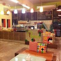 Photo taken at Benny cafe & restaurant by Lukmoojung M. on 12/12/2011