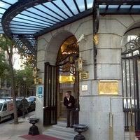 Das Foto wurde bei Hotel Wellington von Enrique D. am 10/21/2011 aufgenommen