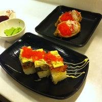 Photo taken at Sushi Nagoyaka Tei 和花亭壽司 by Daphne T. on 3/14/2012