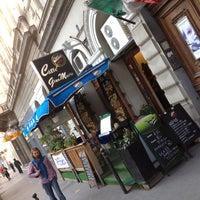 Foto scattata a Caffe GianMario da Harfouch V. il 6/19/2012