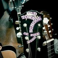 Das Foto wurde bei Old Town School of Folk Music von James A. am 8/13/2011 aufgenommen