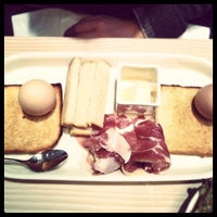 2/11/2012 tarihinde David V.ziyaretçi tarafından Cuisine de Bar by Poilane'de çekilen fotoğraf