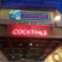Foto tomada en La Parrilla Mexican Restaurant por Ricky L. el 8/5/2012