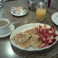 Photo taken at Gracie Mews Diner by Alycia C. on 9/24/2011