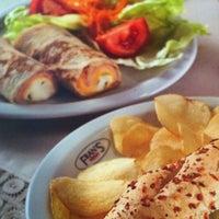 Foto diambil di Fran's Café oleh Paulo B. pada 9/27/2011