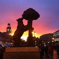 Снимок сделан в Estatua del Oso y el Madroño пользователем Carlos Chiqui R. 11/6/2011