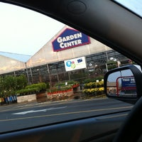 Photo taken at Lowe's Home Improvement by Oliver E. on 9/3/2011